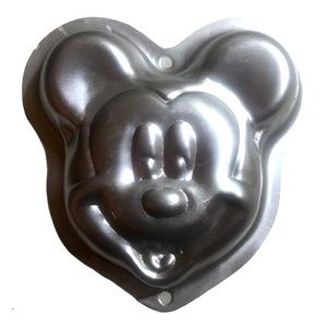 Vintage mini Wilton Mickey Mouse cake pan …